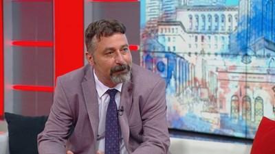 """Филип Станев в студиото на """"Денят започва с Георги Любенов"""". Кадър БНТ."""