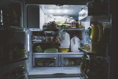 Как да подредите правилно хладилника – 8 трика, които не знаете