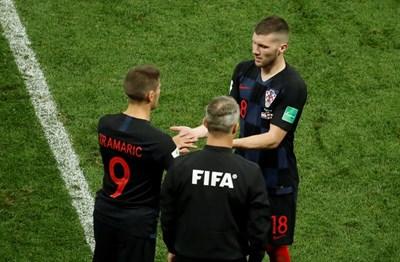 Анте Ребич е прясно подстриган в полуфинала срещу Англия, след като приятелят му от Франкфурт Борис Липовац за трети път имаше командировка до Русия, за да прави прически на хърватите. СНИМКА: РОЙТЕРС