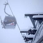 Малко дете увисна на 10 метра височина от лифт в Боровец