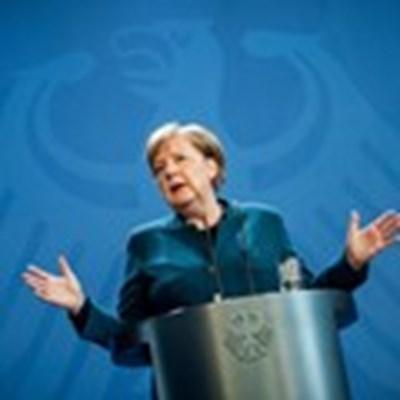Канцлерът Ангела Меркел се оттегля след 16 години на поста