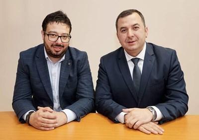 Изпълнителният директор Калин Йонов (вдясно) и финансовият директор Радослав Пашов. СНИМКА: Десислава Кулелиева