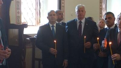 Президентът Румен Радев присъства на тържествената литургия в църквата в с. Труд