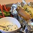 Печените картофи с различна плънка са здравословна и евтина храна.