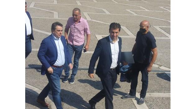Кирил Петков и Асен Василев казват за партията до два дни