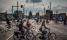 В Париж и Холандия карат велосипеди вместо коли