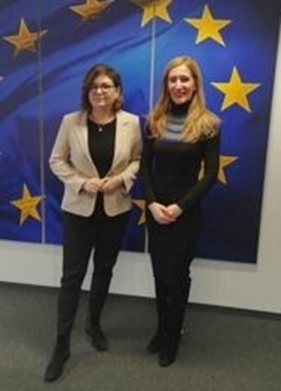 Николина Ангелкова се срещна с еврокомисаря Адина Вълян. Снимка министерство на туризма