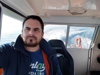 """Емил Петров е капитан на катера """"Спасител 4"""" и с неговия екипаж от доброволци са спасили десетки бедстващи в морето.  СНИМКА: ЛИЧЕН АРХИВ"""