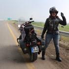 Виолета Иванова има шанса да стане първата жена, обиколила света с мотор. СНИМКИ: ЛИЧЕН АРХИВ