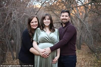Американката Хилде даде живот на своята племенница Елоиз за радост на родителите и? Евън и Келси. СНИМКА: Инстаграм