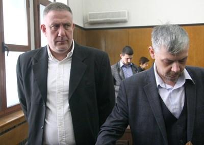 Д-р Иван Димитров (вляво) СНИМКА: Евгени Цветков