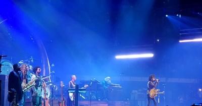 Лени Кравиц пее в София.