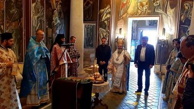 Даниел Панов присъства на водената от митрополит Григорий служба в Патриаршията