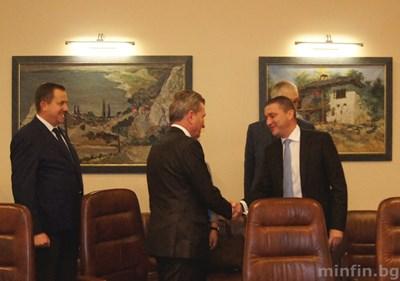 Финансовият министър Владислав Горанов и еврокомисар Гюнтер Йотингер обсъдиха европейския бюджет преди месец, когато комисарят бе на посещение у нас.