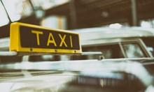 Пияна влезе в насрещното с крадено такси, спря, за да търка лотарийни билетчета и МВР я хвана
