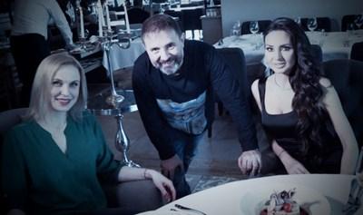 Оксана Станчева (вляво), Стилиян Иванов и Наталия Гуркова по време на интервюто