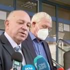 В петък шефът на НЗОК проф. Петко Салчев и председателят на надзора  д-р Александър Златанов (от дясно на ляво) съобщиха за решението на касата рецепти да издават и джипитата.