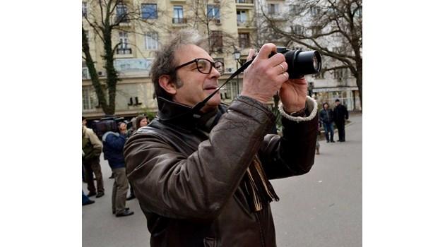 ТВ водещият от БНТ Георги Ангелов във Фейсбук: Слави не е яхнал чалга културата и опростачването, а е техния дух и душа