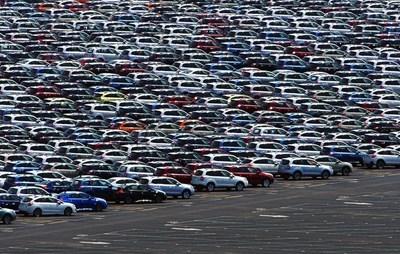 10 757 по-малко  нови леки коли продадени  за 10 месеца (Обзор)