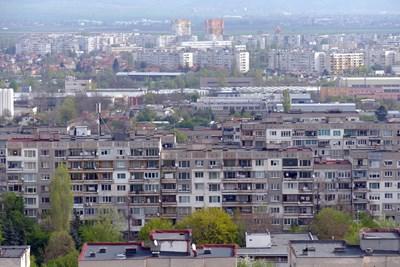 Голяма част от жилищния фонд в България е от панелни блокове, най-старите са вече почти на 60 години.