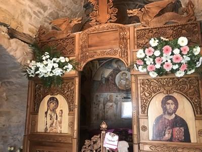 Субсидия няма да се дава на църкви и манастири, взели пари от първия прием на проекти. Прави се изключение само за изографисване и реставриране на стенописи.