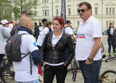 Ласкин (вдясно) с жена си Алекс Сърчаджиева