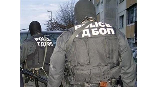 Втори камион с българска регистрация и с 41 нелегални емигранти се появи в Северна Гърция. Пазарджишка фирма го продала на молдовец