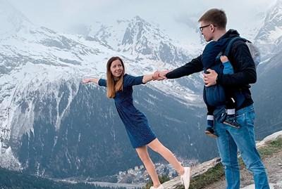 Екатерина Диденко с първия си съпруг Владимир, който умира, докато и? прави изненада със сух лед. СНИМКА: Инстаграм