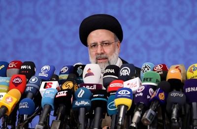 Ебрахим Раиси встъпи в длъжност. СНИМКА: РОЙТЕРС