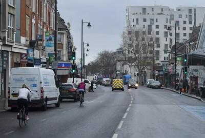 В Лондон няма обявено извънредно положение заради коронавируса и полетите до английската столица не са спрени.