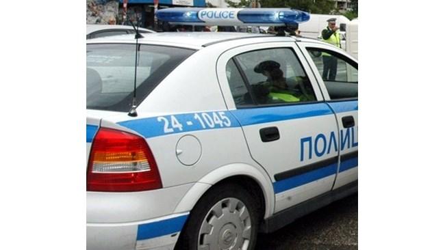 Дрогиран с канабис е задържан зад волана на трактор- съобщават