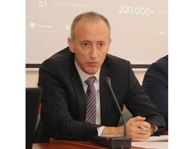 Министър Красимир Вълчев: 50 000 деца провеждат уроци в дворовете на училищата