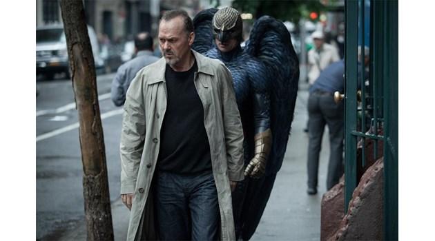 """Майкъл Кийтън доказва, че артистът е по-силен от супергероя в """"Бърдмен"""""""