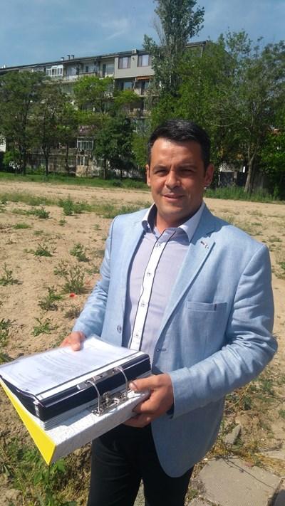"""Новият парк ще е с алеи и зони за отдих, казва кметът на район """"Централен"""" Георги Стаменов"""