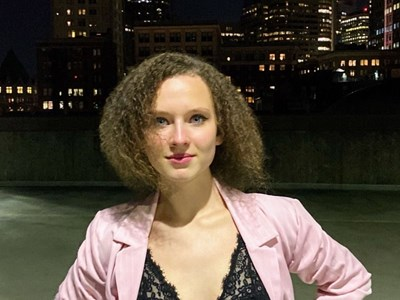 Хелена издаде на властите с САЩ имената на майка си, на чичо си и леля си.