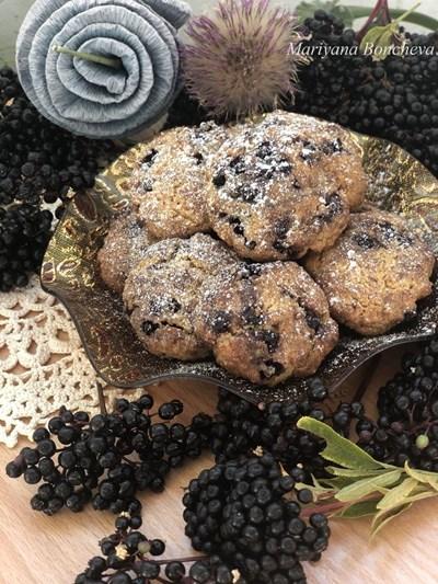 Лимецови бисквити с черен бъз