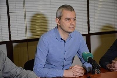 """Лидерът на партия """"Възраждане"""" Костадин Костадинов. Снимка Архив"""
