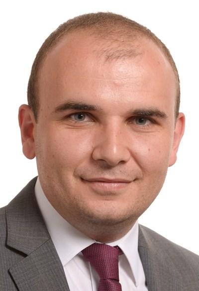 Илхан Кючюк е евродепутат от ДПС/АЛДЕ и зам.-председател на партия АЛДЕ