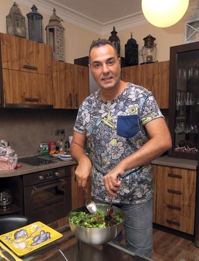 Светът е събран в кухнята на Драго Драганов