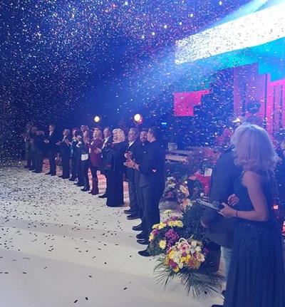 Михаил Белчев пя с приятели на концерта, който беше режисиран от Ники Априлов.    СНИМКА: НИКИ АПРИЛОВ
