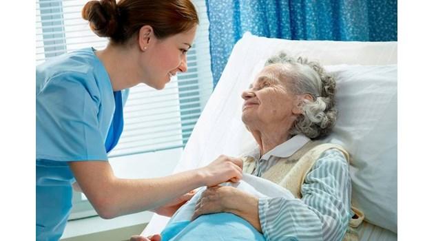 Медицински сестри взимат по-малко от продавачките и служителите от чистотата!