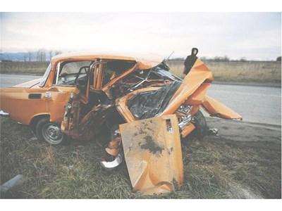 Борислав Великов предизвика зверската катастрофа на 12 декември 2009 г., при която в москвича си загина 42-годишният Славчо Тодоров от Нови Искър.  СНИМКИ: ПИЕР ПЕТРОВ И РУМЯНА ТОНЕВА