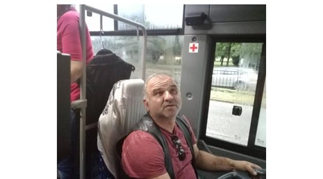 Героят Краси Стойнов, возил като такси хора при пороя в Пловдив - 4 пъти на косъм от смъртта