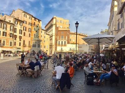 От днес цяла Италия е бяла зона, тоест с почти никакви рестрикции заради коронавируса Снимка Архив