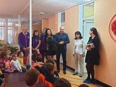 """Кметът Костадин Димитров и зам.-кметът Веселина Стоянова присъстваха на старта на кампанията в ЦДГ """"Десислава"""""""