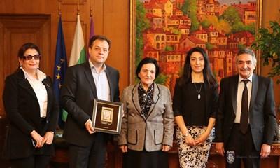 Кметът на Велико Търново прие делегация от Азербайджан