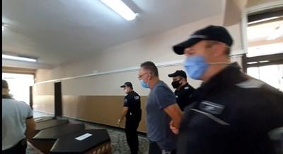 Васил Капланов-Каплата остава в ареста