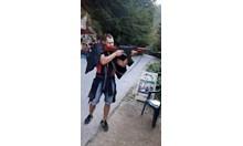 Бизнесмен разстреля бивш полицай и сина му в Пловдив (Обзор, снимки)