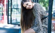 Родителите на малката София Маринкова се обзаложили ще й хареса ли вкусът на дробчета