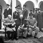 Сталин, Рузвелт и Чърчил на конференцията в Ялта през февруари 1945 г.